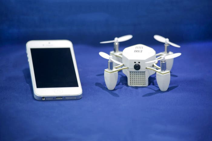 CES 2015: Meet the ZANO Autonomous Drone, Aerial Selfies were Never this Easy!