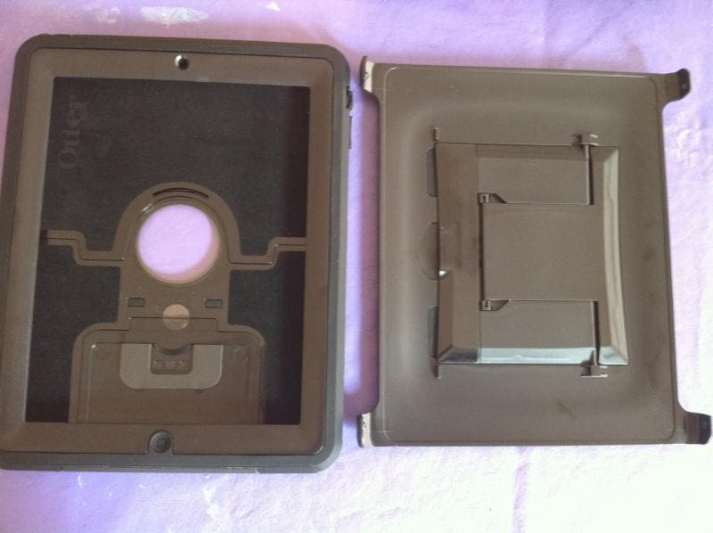 iPad Defender case with screen cover/stand