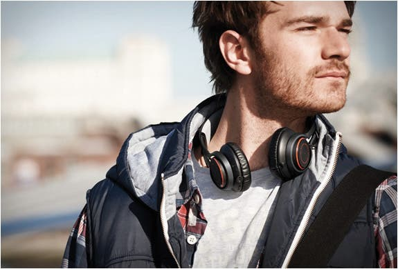 The Jabra Revo: My Vote for Best On-Ear Bluetooth Headphone [Review]