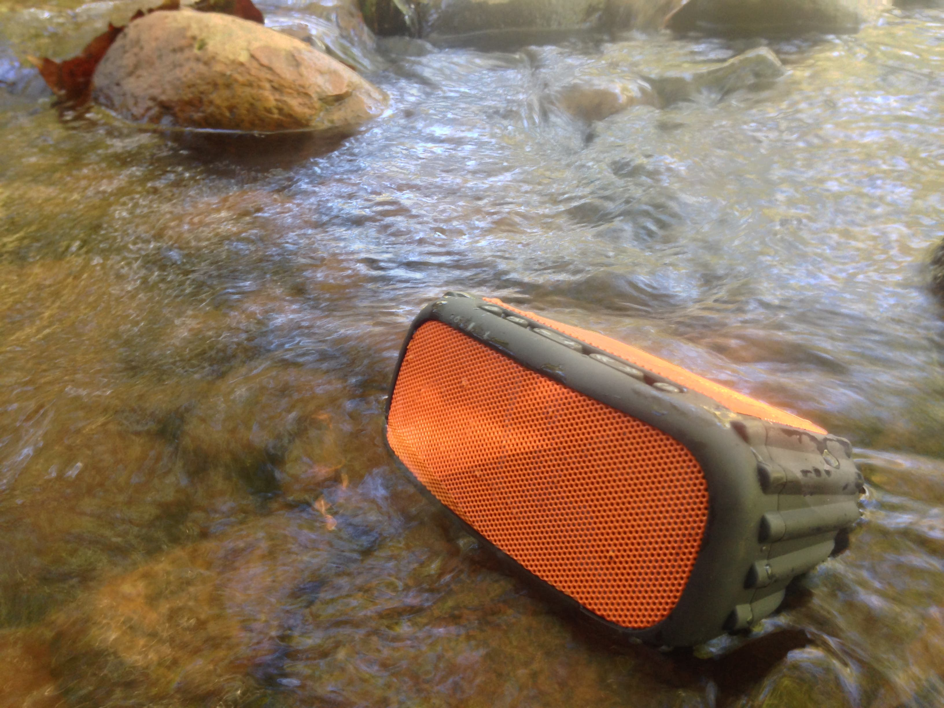 Siva's Reviews: Grace Digital's ECOROX Bluetooth Speaker