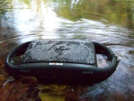 ECOXBT. Rugged and waterproof portable Bluetooth speakers.