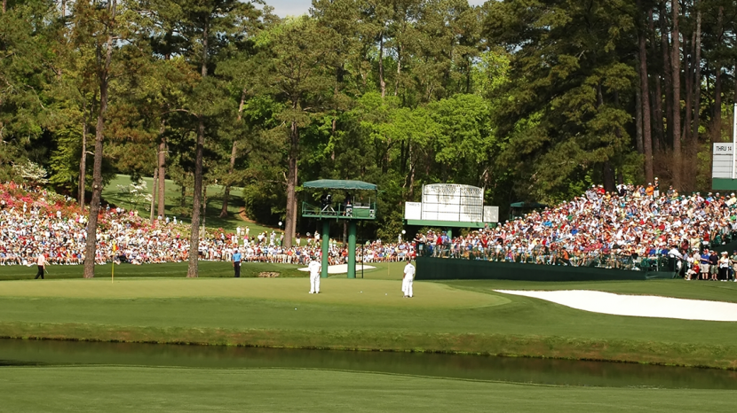 who is winning the masters 2020