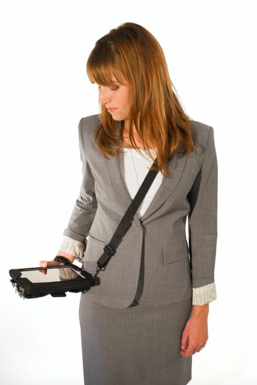Review: Runnuru0026#39;s Over-Shoulder iPad Carrying Case : iPhoneLife.com
