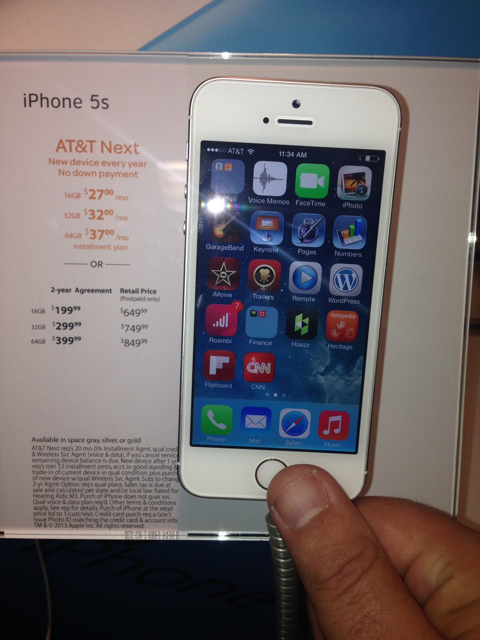 iPhone 5s with fingerprint reader