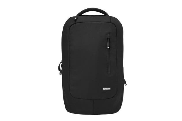 Siva's Reviews: Incase Compact Backpack