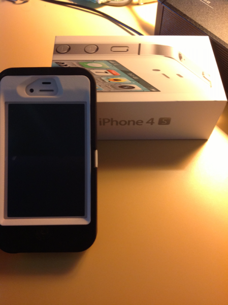 New replacement iPhone 4S