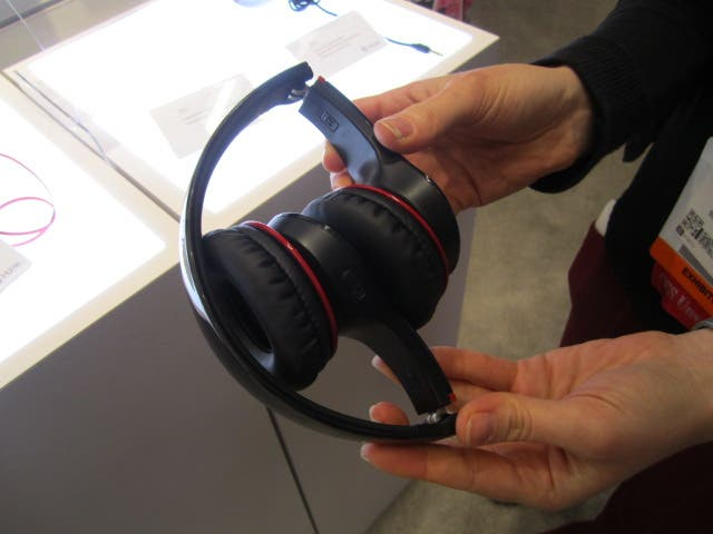 iHome gets all Bluetooth'ed up at CES! | iPhoneLife com