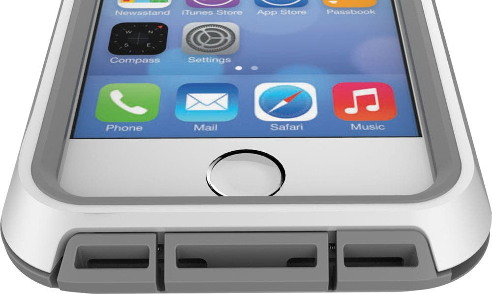 in stock b6469 67fef Adventure-Proof Your iPhone with the Heavy-Duty Voyager for the ...
