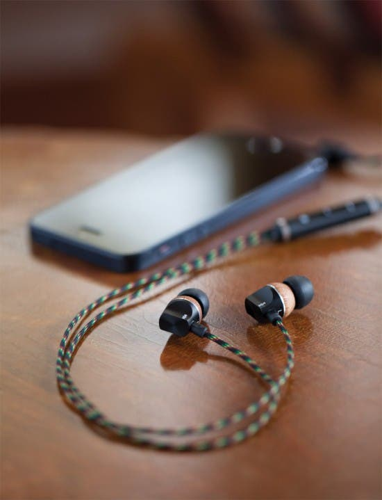 Game Centered: Top 10 Gaming Headphones for iOS | iPhoneLife com